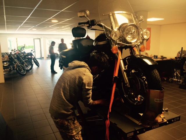 Volg een workshop Harley Davidson onderhoud bij Jordy's Chopper Shop